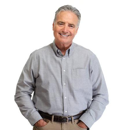 Knappe lachende volwassen man portret geïsoleerd witte achtergrond