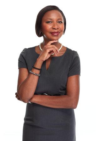 Mooie Afro-Amerikaanse zakenvrouw geïsoleerd witte achtergrond.