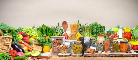 Organic vegetables and fruits Standard-Bild