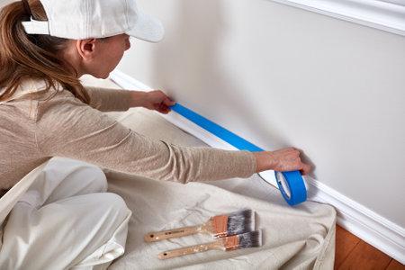 여자 그림 벽 스톡 콘텐츠