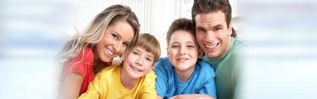 Gelukkige familie met kinderen Stockfoto