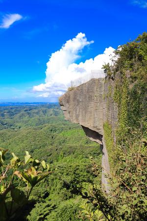 地獄のぞき (2) の崖