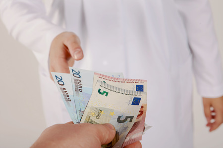 doctor money: Doctor take money