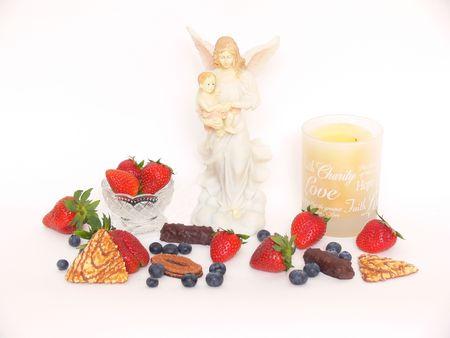 Fruit, candle & Maria.  40664