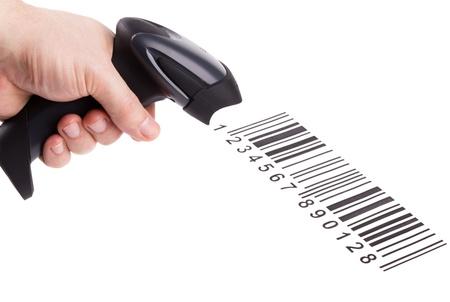 De handmatige scanner van de streepjes codes in man hand