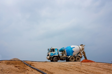 concrete mixer truck: Concrete ready mix truck