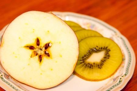 Kiwi and apple photo