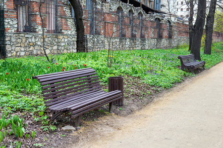 benches in spring park