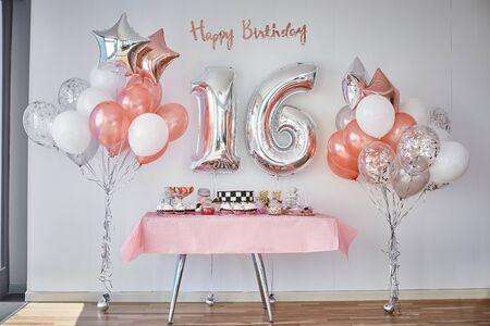 Candy Bar for Sixteen Year Celebration Decoration Zdjęcie Seryjne