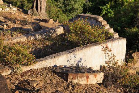 Abandoned arabian grave in the old cemetery. Zdjęcie Seryjne