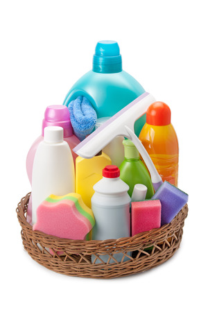 cleaning products: detergentes y productos de limpieza aislados sobre fondo blanco Foto de archivo