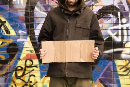 to degrade: la vida en la calle concepto