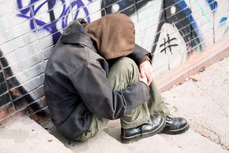 to degrade: la vida en la calle