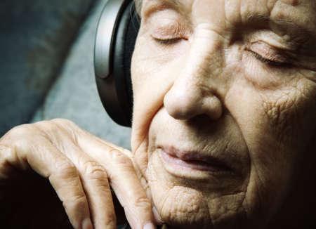 actief luisteren: Muziek meditatie Stockfoto