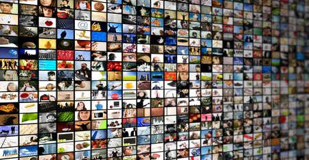 mucha gente: televisi�n o internet streaming, hecha de mis im�genes y fotos  Foto de archivo