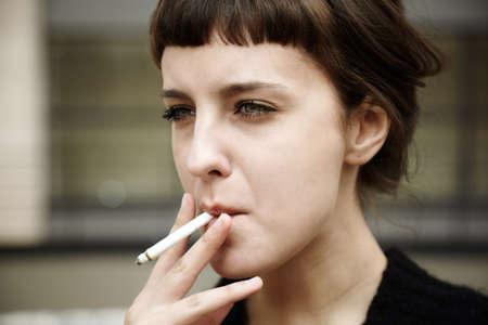 Rauchen Standard-Bild - 11857047
