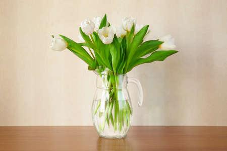 tulips in vase: white tulips