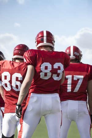 casco rojo: fútbol americano Editorial