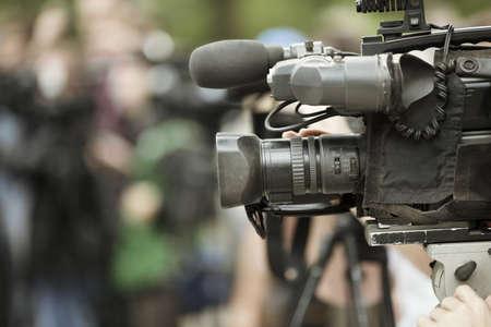 hombre disparando: Noticias de tiro