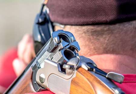 The sportsman with a gun Standard-Bild