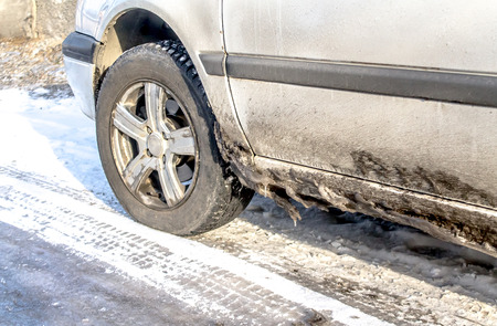 Dirty cars in winter Banque d'images