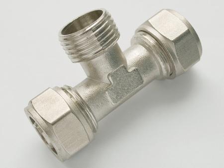 waterpipe: Conector waterpipe sobre fondo blanco Foto de archivo