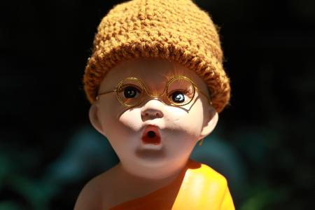 moine: Petite poup�e Monk Porcelaine
