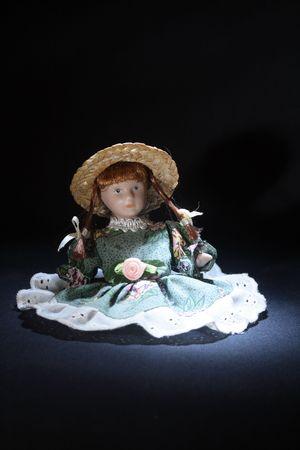 dolly: Dolly Nizza antico su fondo scuro