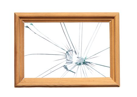 glass broken: Marco de madera con vidrios rotos de sus im�genes. Foto de archivo