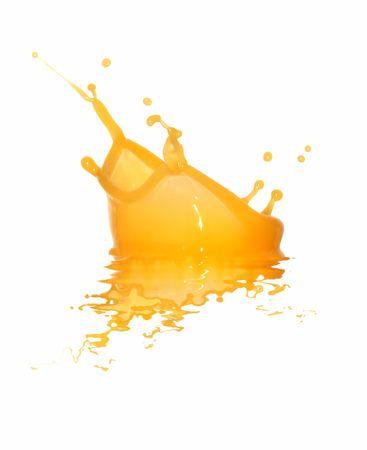 vaso de jugo: Detalle de salpicaduras de jugo de naranja aislado en fondo blanco con trazado de recorte