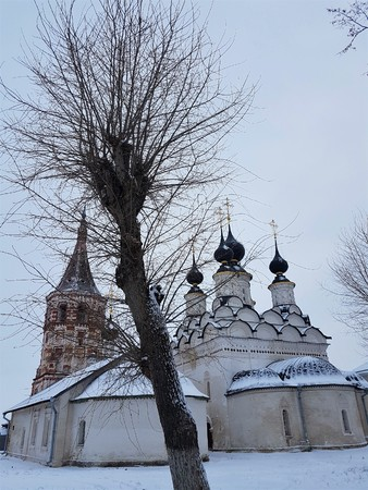 Suzdal Kremlin, Russia. Suzdal is part of the Golden Ring of Russia . Famous tourist destination. Ancient architecture of Suzdal center in snowy winter