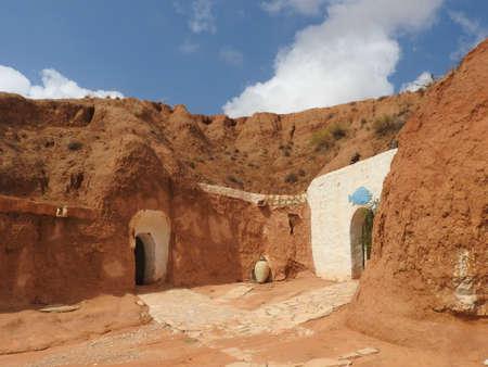 Panoramic view of berber village Tamezret in Tunisia. North Africa 免版税图像