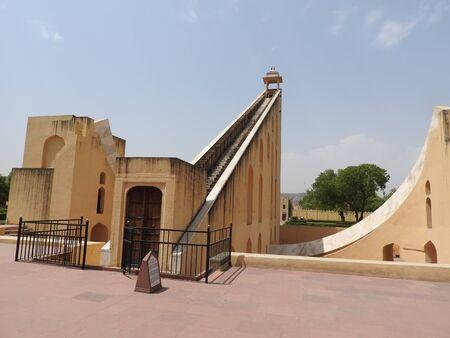 Vrihat Samrat Yantra, the world's largest sundial at Jantar Mantar in Jaipur. 免版税图像