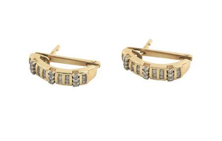 earing: jewelery 009 gold earing with diamond isolated.