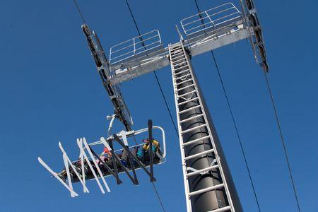 ski 028 lift.