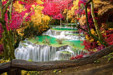 Deep forest Waterfall ,Huay Mae Khamin, Kanchanaburi ,Thailand Archivio Fotografico