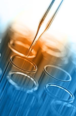 qu�mica: tubos de ensayo de laboratorio de ciencia Foto de archivo