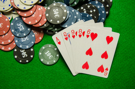 king and queen of hearts: playing poker card game