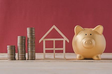 saving plan for house Фото со стока