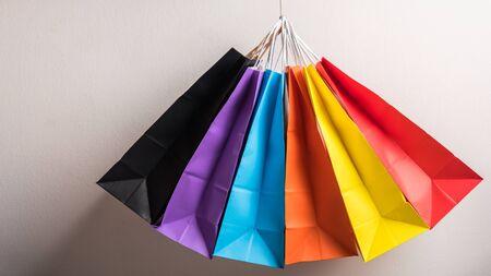 groep kleurrijke boodschappentas