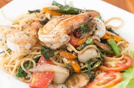 mariscos: picante de gambas y mariscos en Spaghetti