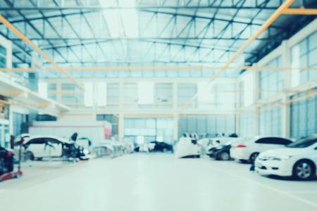 Innerer unscharfer Hintergrund der Auto-Reparatur-Service-Mitte Standard-Bild - 70584016