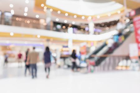 Streszczenie rozmycie nowoczesnego wnętrza centrum handlowego nieostre tło