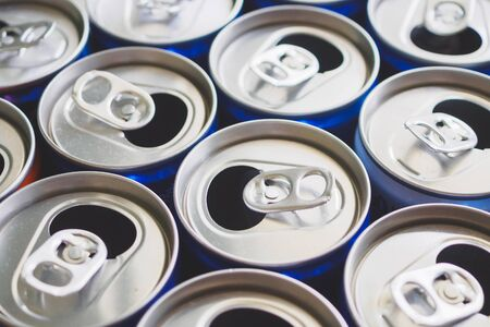 Empty aluminium drink cans recycling background concept Stockfoto - 150221688