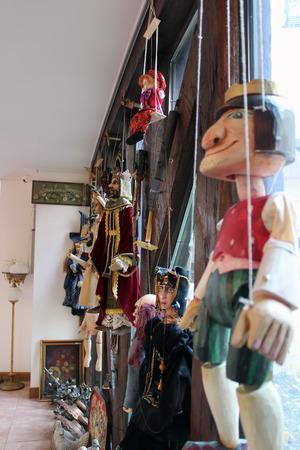 marionette: marionette