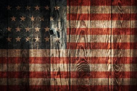 Dunkle Holzständerwand Hintergrund mit Flagge der USA
