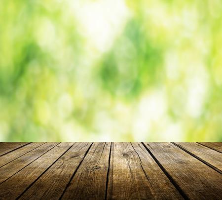 drewno: Pusty stół do wyświetlania produktów montaży