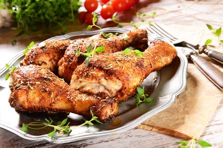pollos asados: Piernas de pollo con tomillo