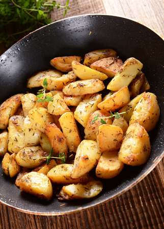 side order: Fried potatoes with rosemary and thyme