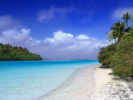 Lagoon meets the Pacific - Aitutaki photo